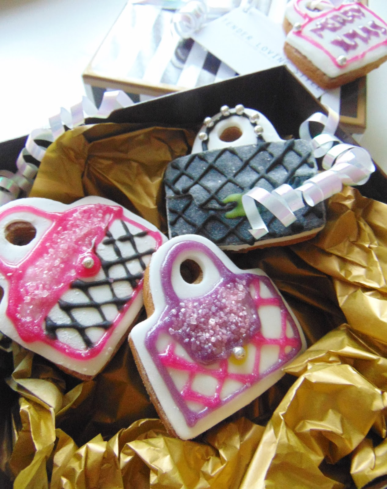 FESTIVE FASHION BISCUITS